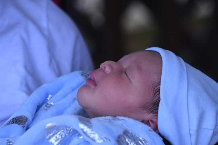 Mỹ: 3 chị em sinh con trong cùng một ngày, cùng một bệnh viện - Ảnh 2.