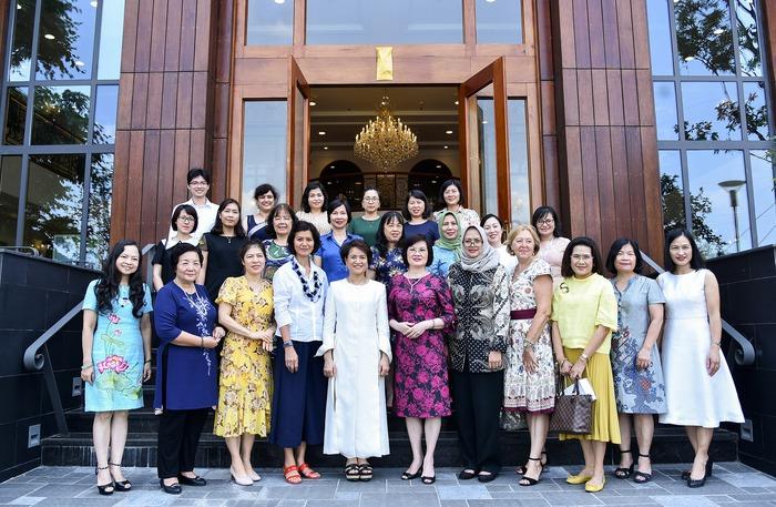 Phụ nữ ASEAN tìm hiểu về các sản phẩm chăm sóc sức khỏe từ thảo dược của Việt Nam - Ảnh 1.