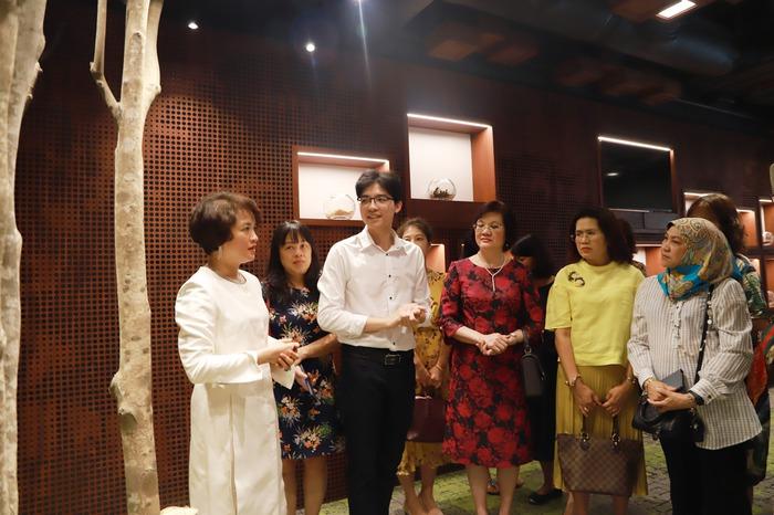 Phụ nữ ASEAN tìm hiểu về các sản phẩm chăm sóc sức khỏe từ thảo dược của Việt Nam - Ảnh 4.