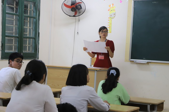 Gần 89.000 học sinh Hà Nội làm thủ tục dự thi vào lớp 10 THPT - Ảnh 2.
