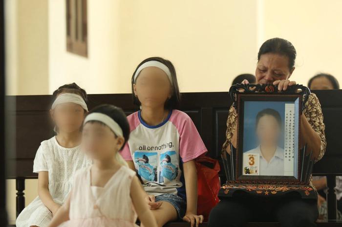 Tuyên án tử hình cô gái đầu độc chị họ bằng trà sữa vì yêu anh rể - Ảnh 1.