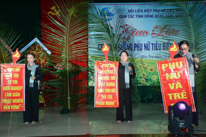 Tôn vinh 65 chi hội trưởng phụ nữ tiêu biểu trong vườn hoa của Hội - Ảnh 6.