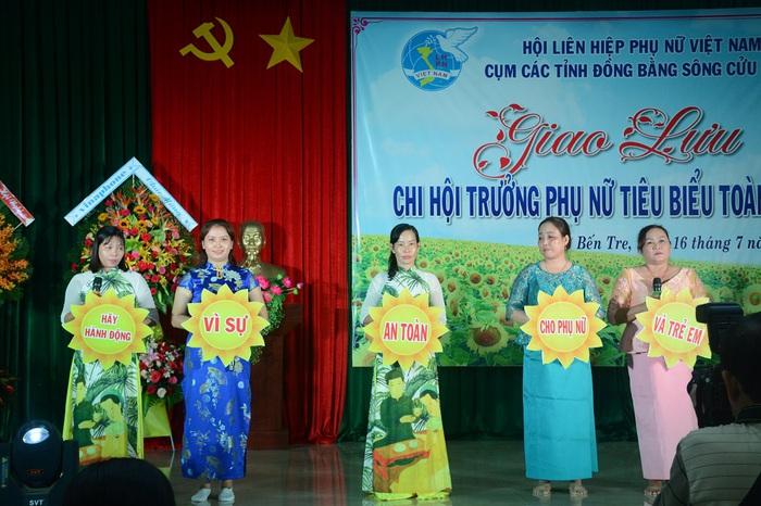 Tôn vinh 65 chi hội trưởng phụ nữ tiêu biểu trong vườn hoa của Hội - Ảnh 5.