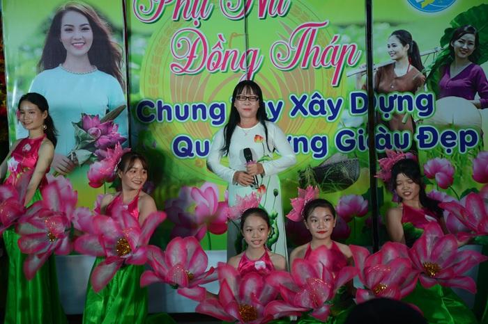 Tôn vinh 65 chi hội trưởng phụ nữ tiêu biểu trong vườn hoa của Hội - Ảnh 7.