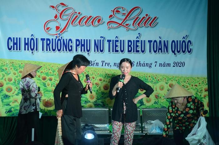 Tôn vinh 65 chi hội trưởng phụ nữ tiêu biểu trong vườn hoa của Hội - Ảnh 8.