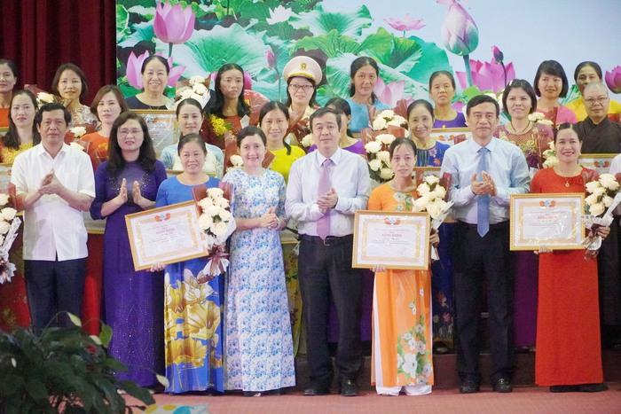 Thái Bình khen thưởng 142 điển hình, cá nhân tiêu biểu xuất sắc trong phong trào thi đua yêu nước giai đoạn 2015 - 2020 - Ảnh 5.