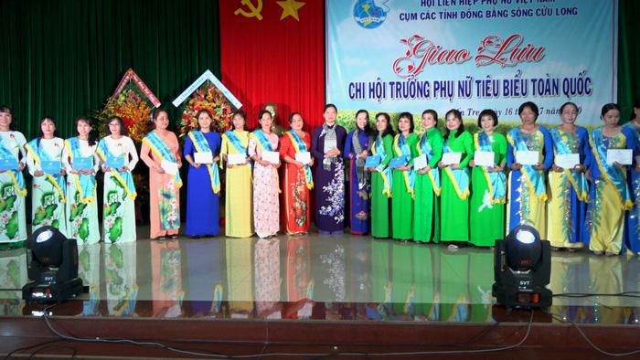 Giao lưu là dịp tôn vinh 65 chi hội trưởng giỏi 13 tỉnh Khu vực đồng bằng sông Cửu Long