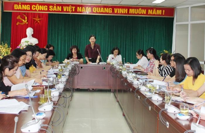 Cẩm nang giúp phụ nữ tham gia đại biểu QH và hội đồng nhân dân nhiệm kỳ 2021 – 2026  - Ảnh 1.