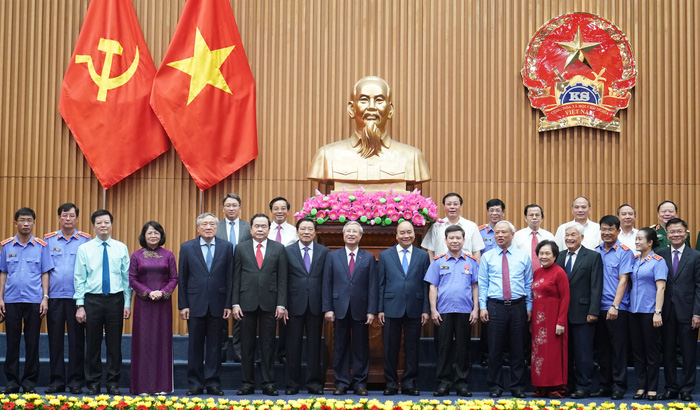 Viện kiểm sát nhân dân đón nhận Huân chương Hồ Chí Minh trong dịp kỷ niệm 60 năm thành lập - Ảnh 1.