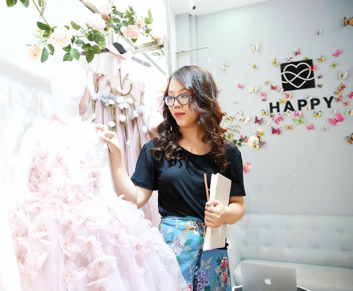 """""""Happy Clothing"""" – Trang phục của hạnh phúc - Ảnh 1."""