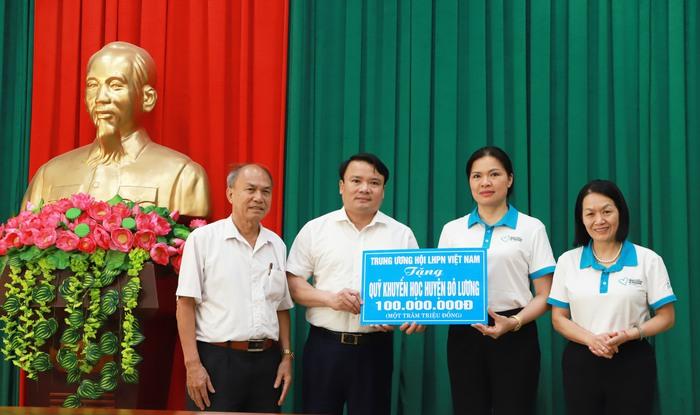 Lãnh đạo Hội LHPN Việt Nam dâng hương tưởng niệm  tại Khu di tích lịch sử quốc gia Truông Bồn - Ảnh 2.