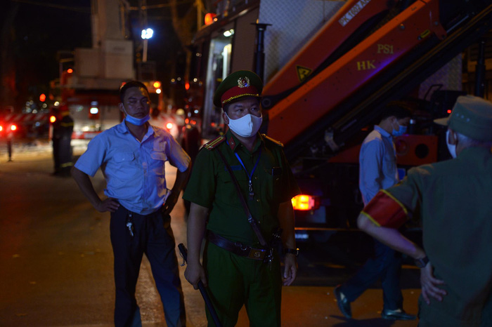 Công an có mặt bảo vệ hiện trường, điều tra làm rõ nguyên nhân vụ tai nạn.