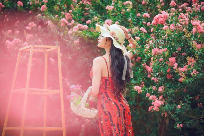 Combo chụp ảnh cùng hoa hấp dẫn chị em  - Ảnh 2.