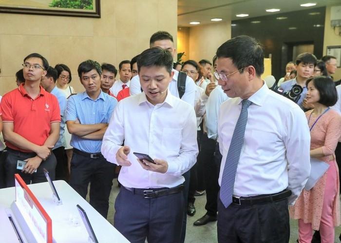 Vinsmart phát triển thành công điện thoại 5G  - Ảnh 2.