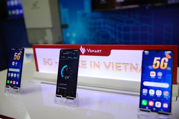 Vinsmart phát triển thành công điện thoại 5G  - Ảnh 1.