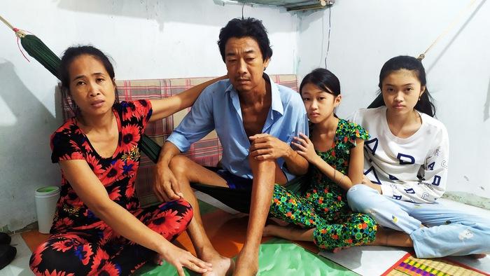 Gia đình chị Nguyễn Thị Riêng, anh Lâm Văn Biết và 2 con gái