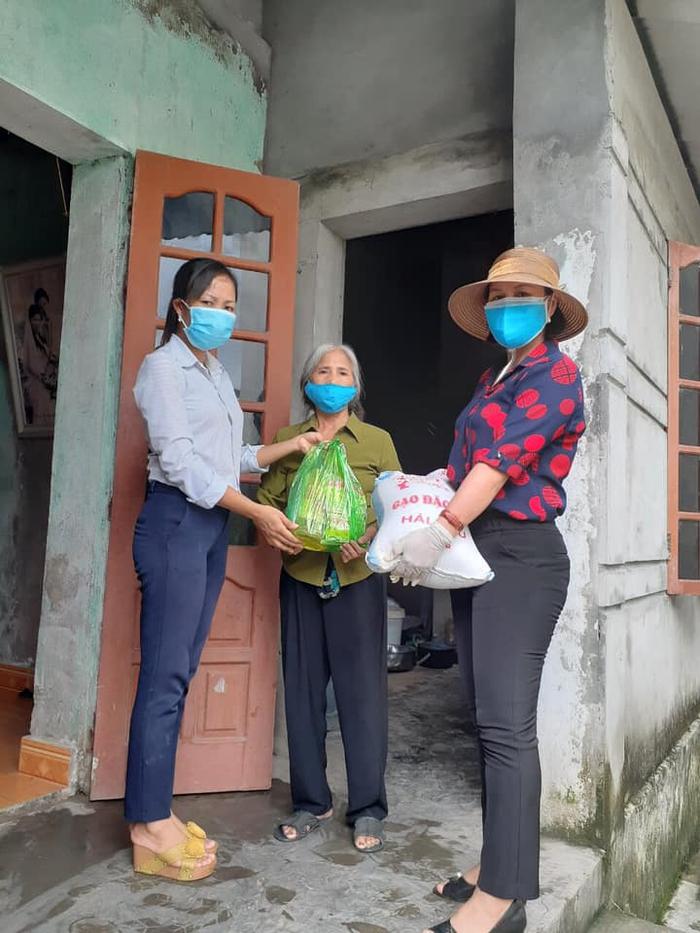 Thêm nhiều hoạt động thiết thực, ý nghĩa chống dịch của các cấp hội phụ nữ Hải Dương - Ảnh 3.