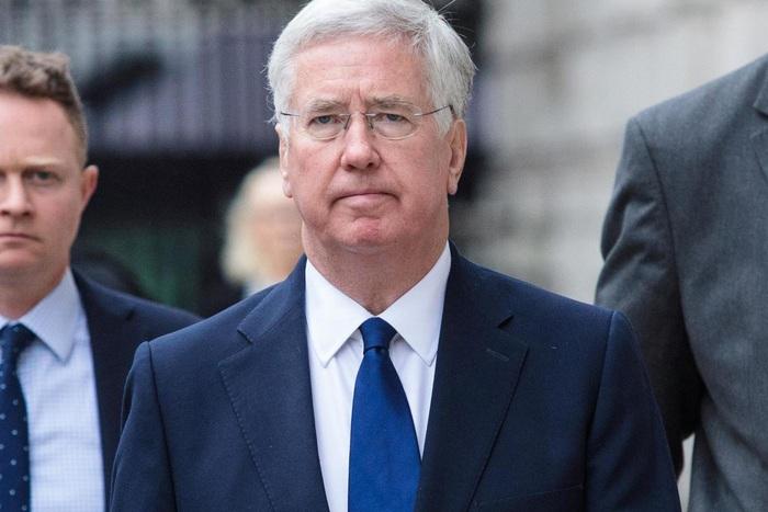 Quốc hội Anh dậy sóng vì một nghị sĩ bị bắt với cáo buộc tấn công tình dục - Ảnh 1.