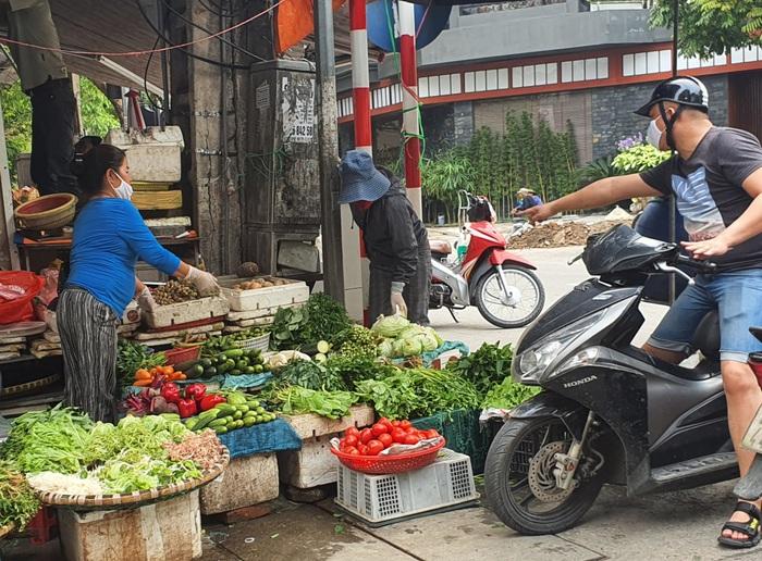 Thịt lợn giảm tới 10.000 đồng/kg, rau xanh tăng giá mạnh  - Ảnh 2.