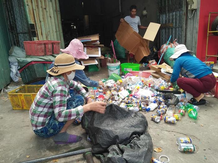 Bảo vệ môi trường từ thay đổi thói quen đổ rác của dân - Ảnh 3.
