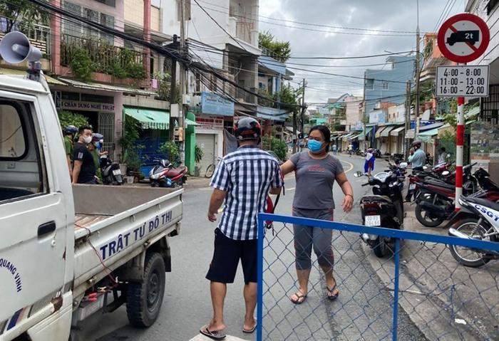 TP Biên Hòa: Người dân chỉ ra khỏi nhà khi thật sự cần thiết - Ảnh 2.