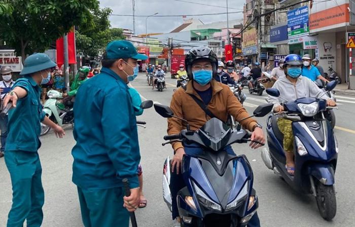TP Biên Hòa: Người dân chỉ ra khỏi nhà khi thật sự cần thiết - Ảnh 1.