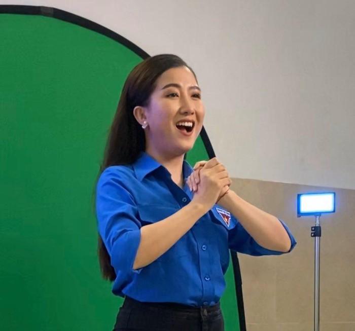 """Một thành viên nhóm Sao Việt đang thể hiện trong MV  """"Áo trắng áo xanh"""" - Ảnh nhân vật cung cấp"""