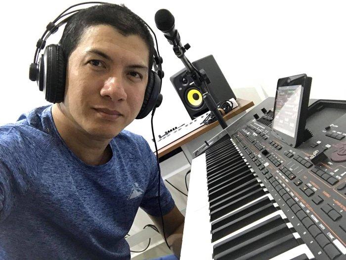 Nhạc sĩ Hoài An cho biết thời gian giãn cách ở nhà đã mang đến cho anh nhiều cảm xúc để sáng tác ca khúc về cuộc sống - Ảnh nhân vật cung cấp