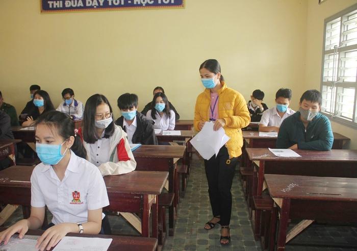 """Ngành giáo dục các tỉnh Tây Nguyên nỗ lực đảm bảo an toàn kỳ thi tốt nghiệp THPT trước đại dịch """"kép"""" - Ảnh 1."""