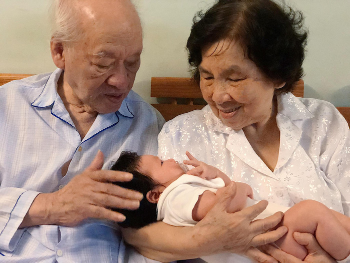 """Hà Anh chia sẻ sau khi ông nội qua đời: """"Ông truyền cho tôi ngọn lửa sống, tin yêu vào cuộc đời"""" - Ảnh 2."""