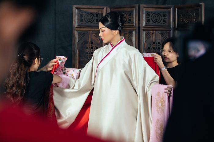 Thanh Hằng rạng ngời khí chất trong vai Dương Vân Nga - Ảnh 2.