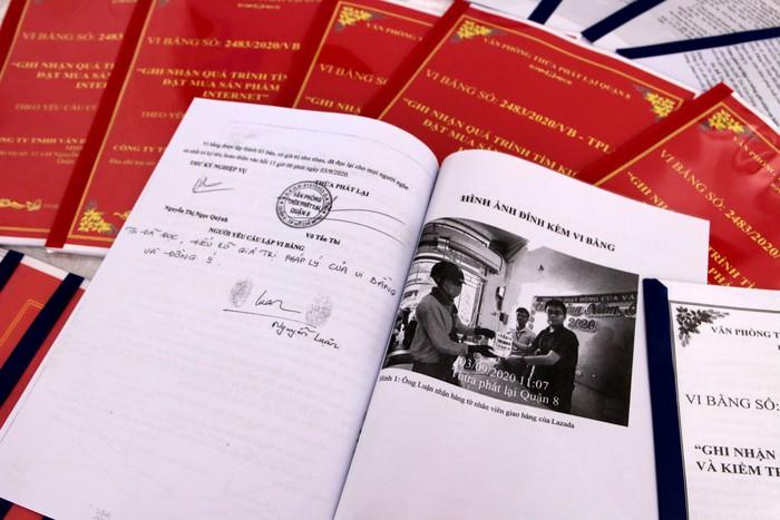 Vi bằng ghi lại bằng chứng sách giả được bày bán trên Lazada