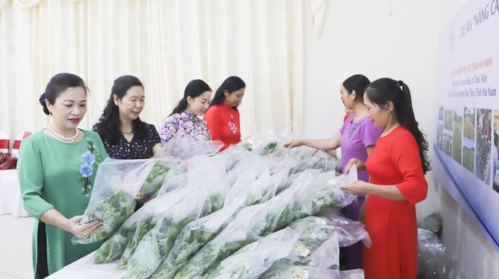 """""""Nâng cao quyền năng kinh tế cho phụ nữ"""" tiếp sức cho các HTX phát triển - Ảnh 6."""