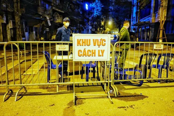Chỉ trích việc lộ thông tin cá nhân của bệnh nhân thứ 17: Việt Nam có thực hiện đúng luật?  - Ảnh 2.