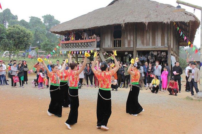 Hội đồng Anh lan toả những hình ảnh quen thuộc của di sản văn hóa Việt Nam  - Ảnh 2.