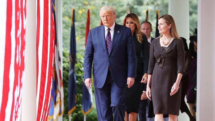 Tổng thống Mỹ Donald Trump đề cử nữ thẩm phán mới cho Tòa án Tối cao  - Ảnh 1.