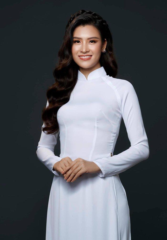 Lộ diện người đẹp Việt Nam dự thi online Hoa hậu Trái đất 2020 - Ảnh 1.