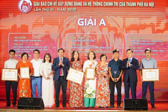 Vinh danh 66 tác phẩm báo chí xuất sắc về Xây dựng Đảng và phát triển văn hóa Hà Nội - Ảnh 2.