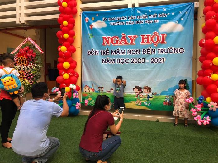 Phó chủ tịch nước Đặng Thị Ngọc Thịnh đánh trống khai giảng tại TPHCM - Ảnh 3.