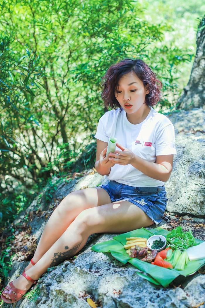Món phở cuốn là một phần của hành trình du ca âm nhạc kết hợp trải nghiệm ẩm thực, du lịch của Thái Thùy Linh