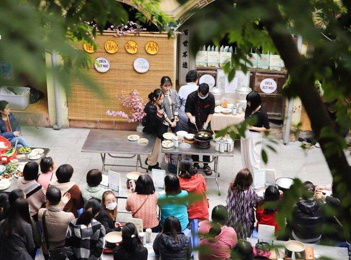 Chuỗi hoạt động nấu cỗ chay Tết miễn phí sẽ được tổ chức tại chùa Bụt Mọc và chùa Kim Liên