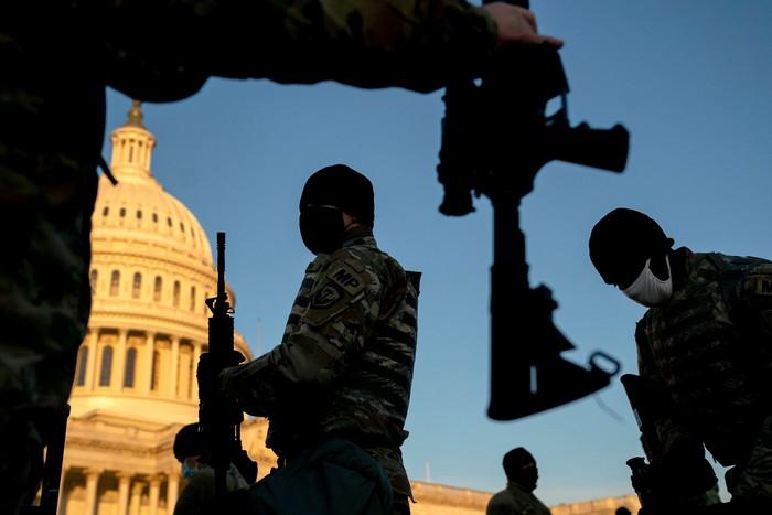 Hoa Kỳ: Thủ đô Washington thắt chặt an ninh chuẩn bị cho Lễ nhậm chức của ông Biden - Ảnh 9.