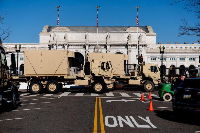 Hoa Kỳ: Thủ đô Washington thắt chặt an ninh chuẩn bị cho Lễ nhậm chức của ông Biden - Ảnh 11.