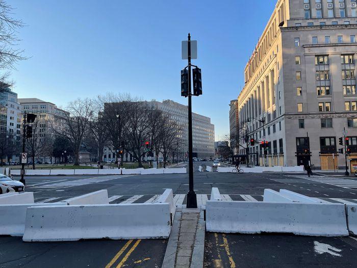 Hoa Kỳ: Thủ đô Washington thắt chặt an ninh chuẩn bị cho Lễ nhậm chức của ông Biden - Ảnh 15.