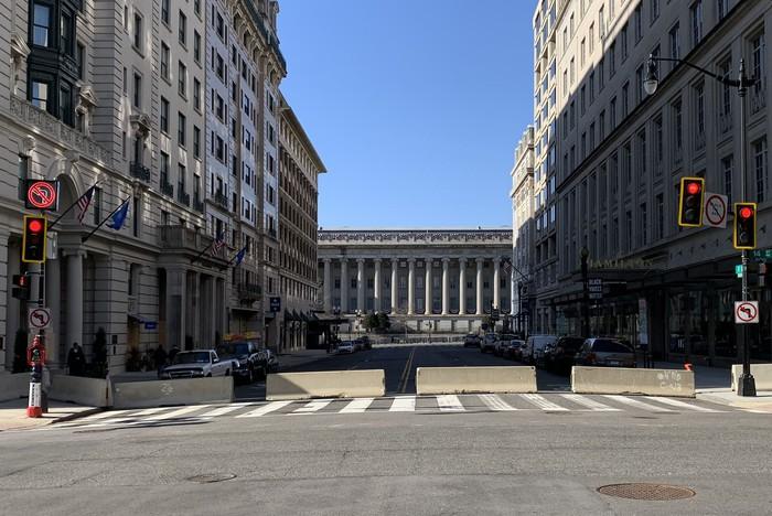 Hoa Kỳ: Thủ đô Washington thắt chặt an ninh chuẩn bị cho Lễ nhậm chức của ông Biden - Ảnh 16.