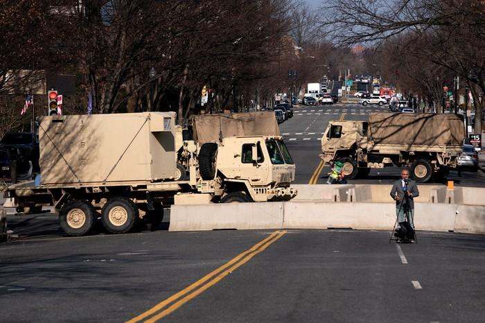 Hoa Kỳ: Thủ đô Washington thắt chặt an ninh chuẩn bị cho Lễ nhậm chức của ông Biden - Ảnh 17.