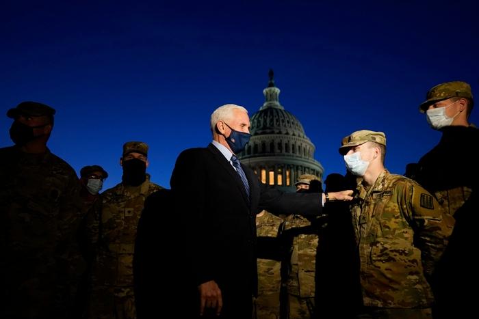 Hoa Kỳ: Thủ đô Washington thắt chặt an ninh chuẩn bị cho Lễ nhậm chức của ông Biden - Ảnh 1.