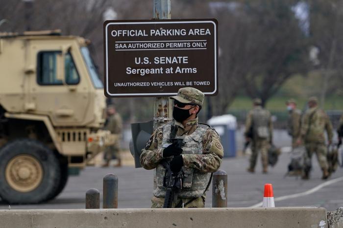Hoa Kỳ: Thủ đô Washington thắt chặt an ninh chuẩn bị cho Lễ nhậm chức của ông Biden - Ảnh 7.