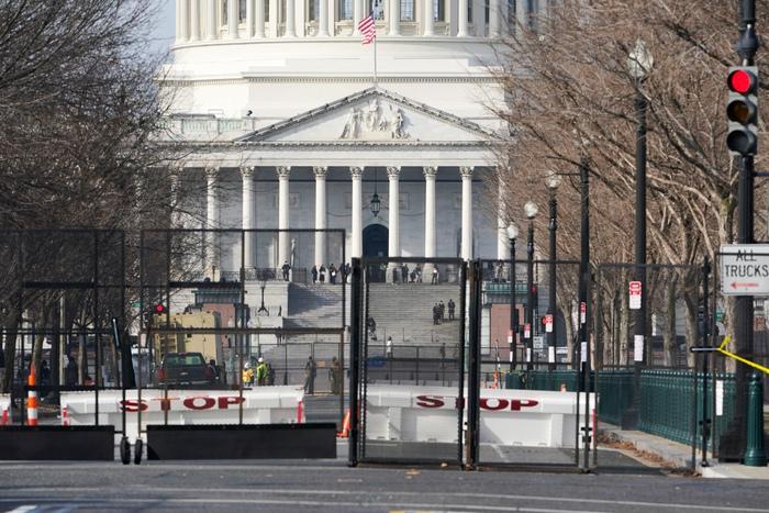 Hoa Kỳ: Thủ đô Washington thắt chặt an ninh chuẩn bị cho Lễ nhậm chức của ông Biden - Ảnh 8.