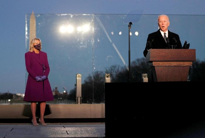 Biden - hàn gắn nước Mỹ